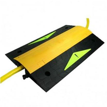Picture of Furrion  10.56 lb Black & Yellow Nylon Power Cord Ramp 381634 19-8201